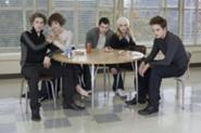 185px-The-cullens-twilight-series-2552855-725-483