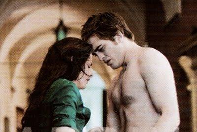 File:Edward and bella in volterra.jpg