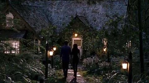 "Twilight Breaking Dawn Part 2 Clip ""Bella & Edward's New Home"""