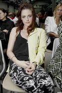 Kristen-at-the-Balenciaga-2013-show-at-Paris-Fashion-Week-Front-Row-27-09-12-kristen-stewart-32304877-1280-1920