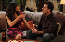 Liz-vassey-on-two-and-a-half-men