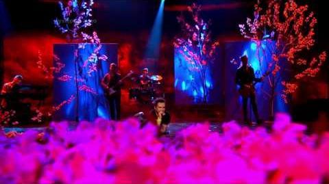 Krzysztof Kwiatkowski jako Adam Levine Maroon 5 - Twoja Twarz Brzmi Znajomo