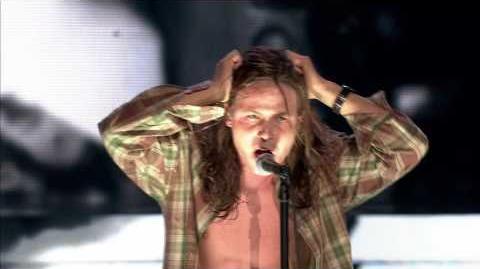 Mateusz Banasiuk jako Eddie Vedder Pearl Jam - Twoja Twarz Brzmi Znajomo