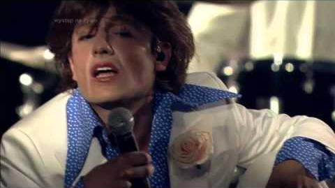 Michał Kwiatkowski jako Mick Jagger Twoja twarz brzmi znajomo