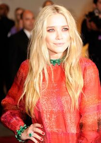 Mary-kate-olsen-at-the-2011-costume-institute-gala-5