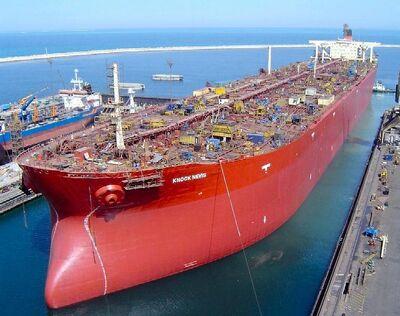 Plus-grand-bateau-du-monde-knock-nevis-1-