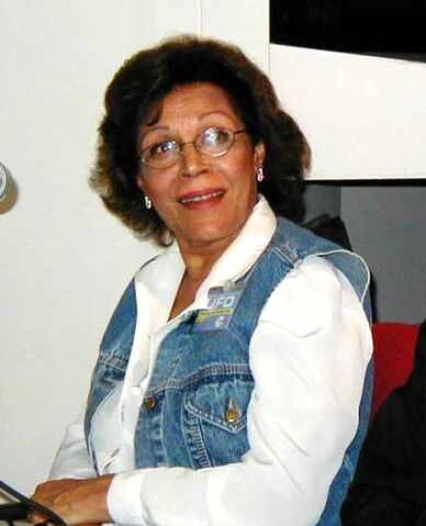 File:Dolores mantez 2001.jpg