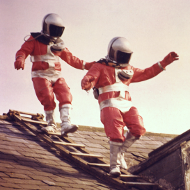 File:UFO aliens small.png