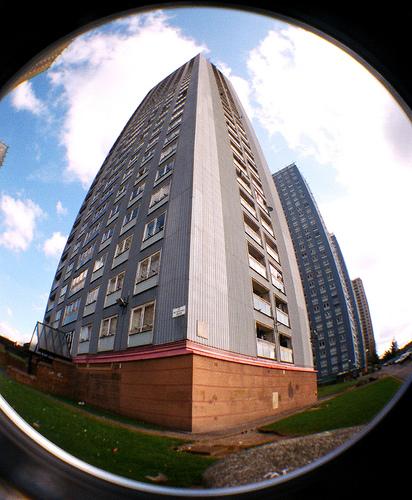 England Apartments: 63 Petershill Drive