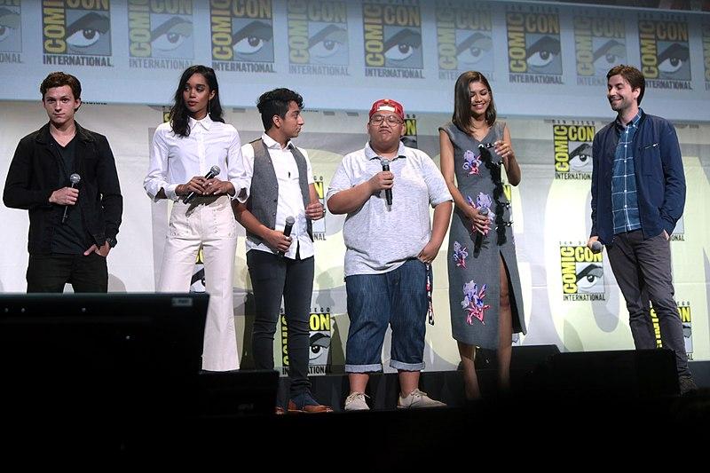 (L:R) Tom Holland, Laura Harrier, Tony Revolori, Jacob Batalon, Zendaya,  and director Jon Watts promoting Spider-Man: Homecoming at the 2016 San  Diego Comic ...