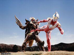Ultraman Max vs Bugdalas