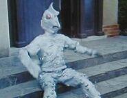 Alien-Perolynga-0