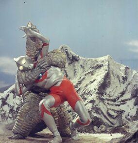 Ultraman vs Red King