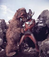 Orphy v Ultraman Taro