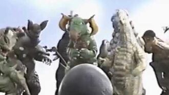 ウルトラマン80 VS クレッセント 怪獣おもしろ動画-2