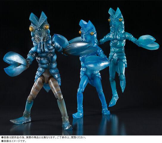 File:SHF-Alien-Baltan-Clone-Set.jpg
