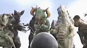 ウルトラマン80 VS クレッセント 怪獣おもしろ動画