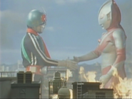 Ultraman and Kamen Rider have a shake