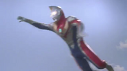 Dyna Flash knocked away by Arwon