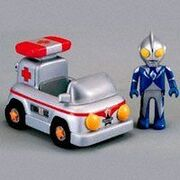 Ultraman-Town-Ambulance-with-Cosmos