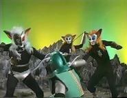 Magma group of 3 v Andro Melos