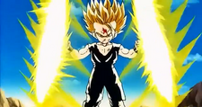 Gohan Holds Double Distructo Disc.png