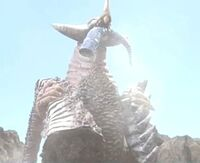 Gomora Holding Grangon, Natsunomeryu and Mukadender Parts