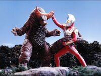 Max vs Gomora2