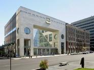https://www.google.co.uk/maps/place/The+Montreal+Museum+of+Fine+Arts/@45.4987983,-73.5795054,794m/data=!3m1!1e3!4m5!3m4!1s0x4cc91a401792c065:0xd6c96c76106b35b0!8m2!3d45.4985219!4d-73