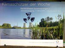 Klimaschuetzer-atomkraftwerk-gundremmingen-totenkopf