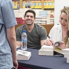 Sarah y su esposo Josh.
