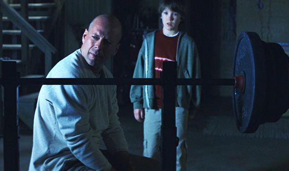 File:Bruce-willis-unbreakable-spencer-treat-clark.jpg
