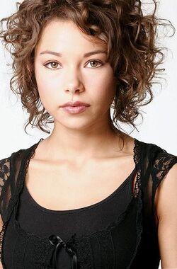 Jessica-parker-kennedy-1