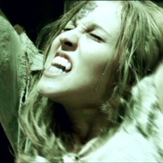 Sonja dying in <i>Underworld</i>.