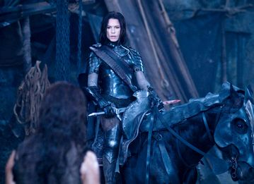 File:Sonja & Lucian (rise of the lycans).jpg