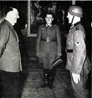 Hitler in Ritterkreuz award ceremony for Gefreiter Hubert Brinkforth