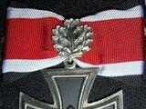 Cruz de Caballero de la Cruz de Hierro con Hojas de Roble
