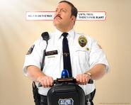 Paul blart mall cop02