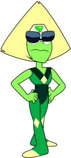 Smol Peridot with glasses