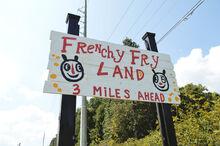 Frenchy-fry-land-blackcattips-16