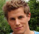 Aaron Hinz