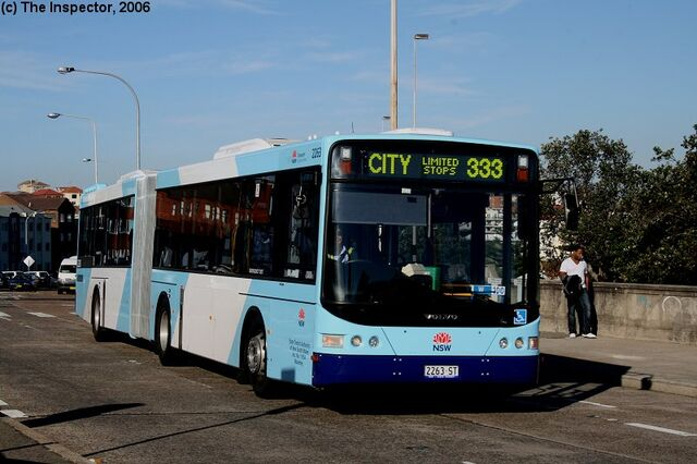File:Bondi Bus 333.jpg