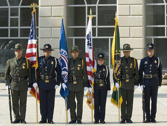 795px-CBP Officers pay tribute 2007