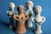Pillarfigurines
