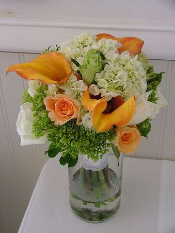 File:Agatha - wedding bouquet - orange and white.jpg