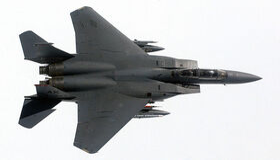 800px-USAF F-15D Top