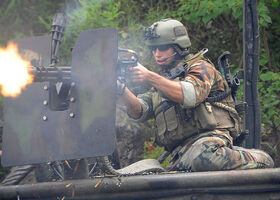 800px-U.S. Navy special warfare combatant-craft crewmen (SWCC), Special Boat Team 22 conducts training 16 AUG 09