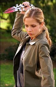 Buffy w Faith's knife