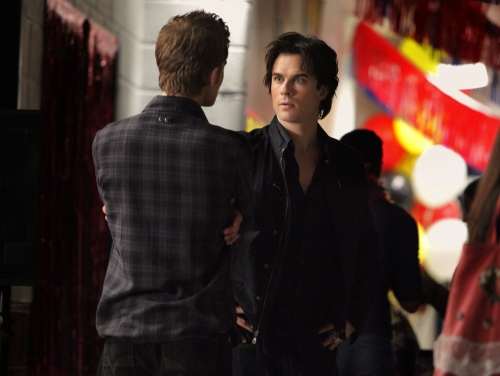 File:Vampire-diaries-season-2-brave-new-world-promo-pics-16.jpg