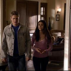 Matt bei Elena zu Hause